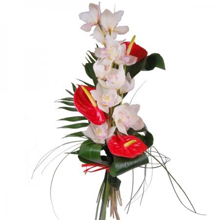 ramo de orquideas y anthurium
