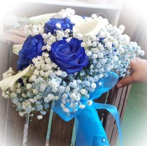 bouquet rosa azul cala blanca