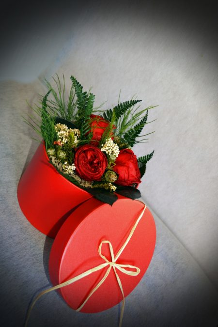 caja rosas rojas regalo